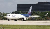 N418LA @ MIA - LAN Colombia Cargo
