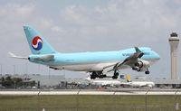 HL7448 @ MIA - Korean Cargo 747-400F