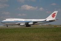 B-2477 @ LOWW - Air China Boeing 747-400 - by Dietmar Schreiber - VAP