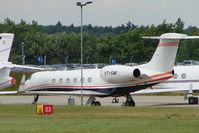 VT-SMI @ EGGW - 1997 Gulfstream Aerospace G-V, c/n: 525 at Luton