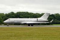 VP-CGY @ EGGW - 2000 Bombardier BD-700-1A10, c/n: 9076 at Luton