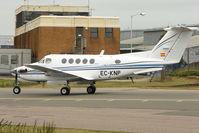 EC-KNP @ EGGW - 1979 Beech Super King Air 200, c/n: BB-561 at Luton