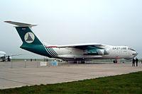 RA-76462 @ EDDB - Ilyushin Il-76T [0013432955] East Line Airlines Berlin-Schonefeld~D 06/05/2002