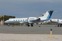 N412WW @ HND - 1992 Gulfstream Aerospace G-IV, c/n: 1203 at Henderson Exec