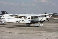 N52285 @ SEF - Cessna T206H
