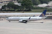 N37298 @ TPA - Continental 737-800