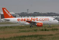 D-AVYB @ EDHI - to become G-EZGL