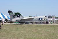 146985 @ TIX - F-8 Crusader