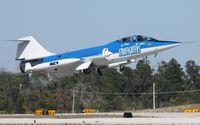 N104RB @ TIX - Starfighters Inc
