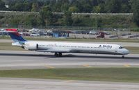 N913DN @ KMSP - MD-90-30 - by Mark Pasqualino