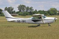 SE-IBC @ LHBS - Cessna 182