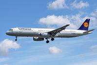 D-AIRB @ EGLL - Lufthansa 1993 Airbus A321-131, c/n: 0468 at Heathrow