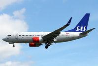 LN-RRB @ EGLL - SAS 2007 BOEING 737-783, c/n: 32276 at Heathrow