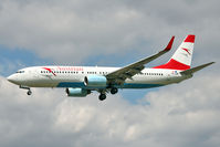 OE-LNR @ EGLL - Austrian Airlines 2005 Boeing 737-8Z9, c/n: 33833 at Heathrow