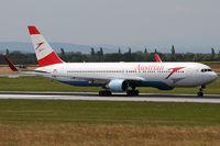 OE-LAZ @ VIE - Austrian Airlines