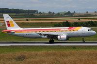EC-HTA @ VIE - Iberia