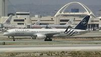 N717TW @ KLAX - Delta Air Lines' Skyteam livery - by cx880jon