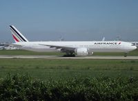 F-GZNH @ LFPO - Orly gets the lion's share of AF services to/from the french overseas territories and the related base hosts seven Triple Sevens, all 328(ER)s. These 7 fleet members come up with a specific cabin layout for accomodating no fewer than 472 travellers - by Alain Durand