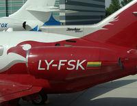 LY-FSK @ LOWW - Aurela Hawker 900 - by Thomas Ranner