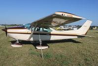 N4922H @ FLD - 1981 Cessna 182R, c/n: 18267853 at Fond Du Lac