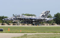 165677 @ KOSH - Landed with tail hook down