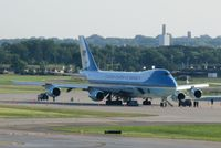 92-9000 @ KMSP - Boeing VC-25A, Air Force One at the MN ANG ramp. - by Kreg Anderson