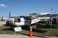 N888AK @ LAL - Cessna 182S