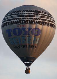 D-OYOT @ WARSTEIN - WIM 2011'Toyo Reifen' - by ghans