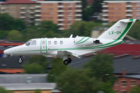 LX-IIH @ ESSB - On final to rwy 30 - by Roger Andreasson