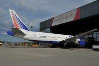 EI-UNZ @ LOWW - Transaero Boeing 777-200 - by Dietmar Schreiber - VAP