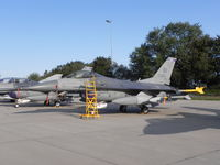 88-0525 @ EHLW - Dutch Air Force Open Day at Leeuwarden AFB; USAF  - by Henk Geerlings