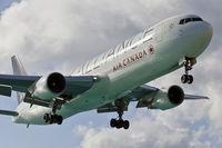 C-FMWY @ TNCM - landing - by martial Dekker