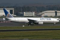 N768UA @ EBBR - taxying o the active