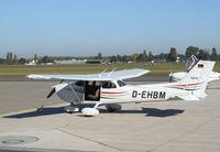 D-EHBM @ EDVE - Cessna 172R at Braunschweig-Waggum airport - by Ingo Warnecke