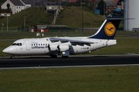 D-AVRA @ EBBR - vacating the runway - by Friedrich Becker