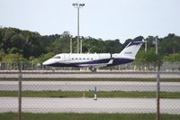 N141RD @ FLL - Challenger 600S