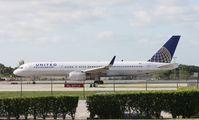 N18119 @ FLL - United 757