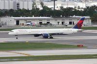 N593NW @ FLL - Delta 757-300