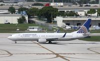 N38403 @ FLL - Continental 737