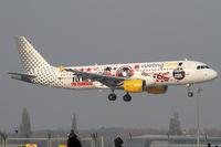 EC-KDG @ VIE - Vueling Airlines - by Joker767