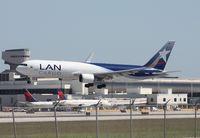 N418LA @ MIA - LAN 767-300F