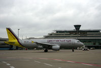 D-AKNZ @ CGN - bad day - by Wolfgang Zilske