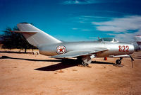 822 @ PIMA - Pima Air Museum 20.11.99 - by leo larsen