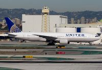 N782UA @ KLAX - United 777 in new colors - by Jonathan Ma