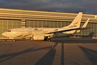 M-YBBJ @ LOWW - Boeing 737-700