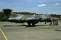 XV333 @ ETAR - briefing before departure