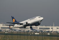 D-ABXW @ EBBR - Flight LH4571 is climbing from RWY 07R - by Daniel Vanderauwera
