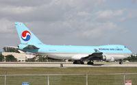 HL7601 @ MIA - Korean Cargo departing in front of El Dorado