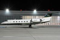 N228RE @ LOWW - Gulfstream 4