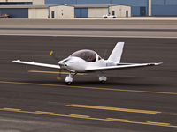 N130TL @ KSMO - N130TL exiting the runway after arriving on RWY 21 - by Torsten Hoff